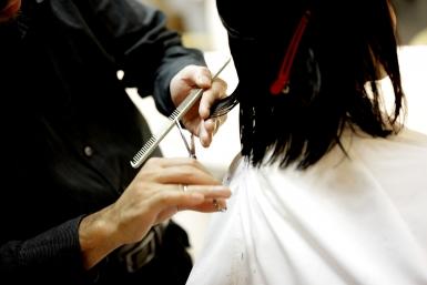 woman-groom-haircut-glasses-beautician-combs-1072486-pxhere.com-215bc7adcd19ae243ebe5990a6f71f55.jpg